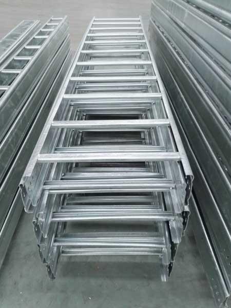 热镀锌梯式桥架